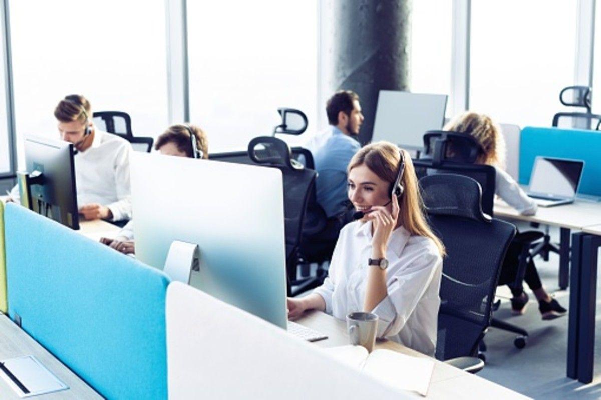 telesales team calling their customers