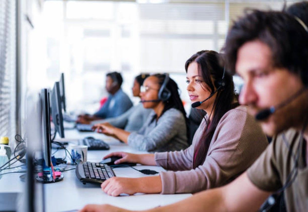people working at a b2b telemarketing company
